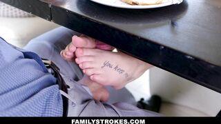FamilyStrokes - Pretty Stepdaughter Seduces her Hawt Stepdad